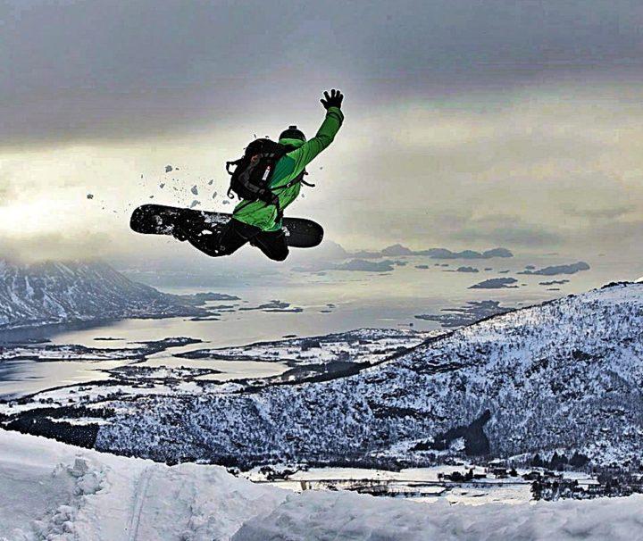 Viaggi Sport Viaggio Splitboard Norvegia Salto Fiordo