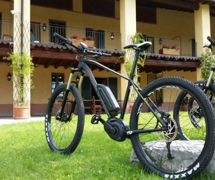 Viaggi Sport E-Bike Lago Iseo Noleggio Bici Pedalata Assistita Tour Giuda