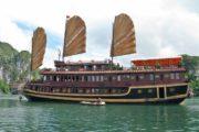 Viaggio in Vietnam Tour Easy Crociera Ha Long Bay