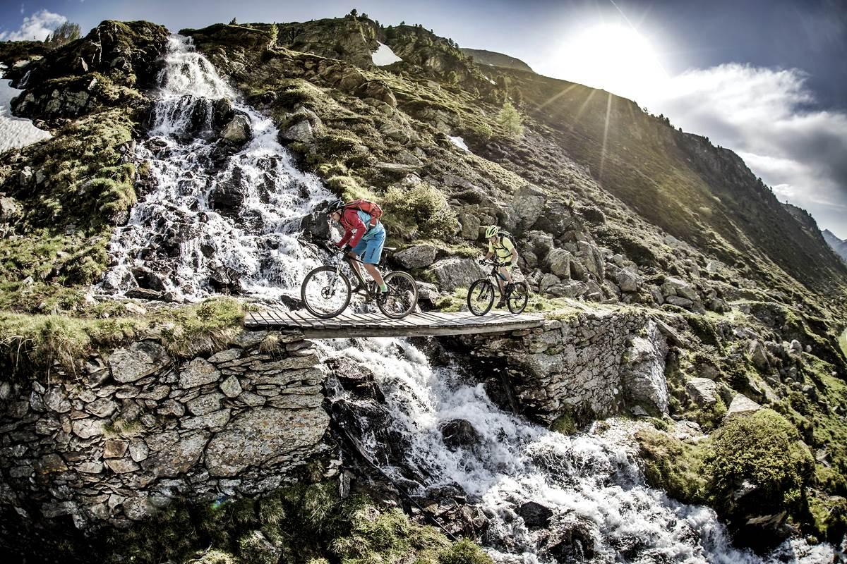 Mountain Bike Svizzera Mtb Ebike Lenzerheide Arosa Copyright Graubunden Ferien Merida Bikes