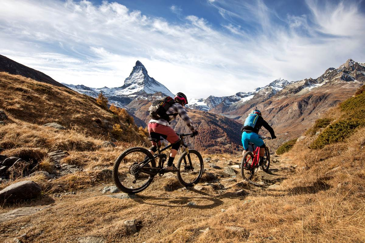 Mountain Bike Svizzera Mtb Enduro Ebike Copyright Zermatt Tourismus photo Pascal Gertschen