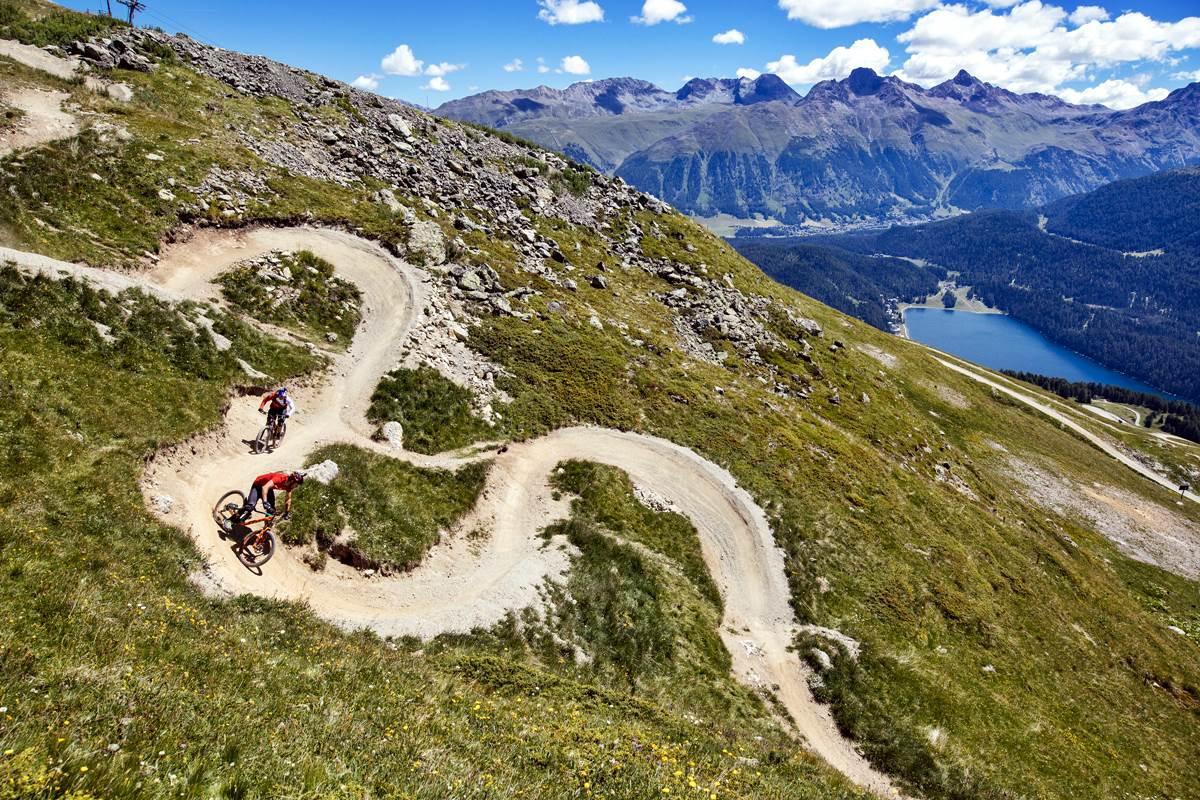 mountain bike enduro corviglia flow trail st moritz Copyright Graubünden Ferien photo by Martin Bissig