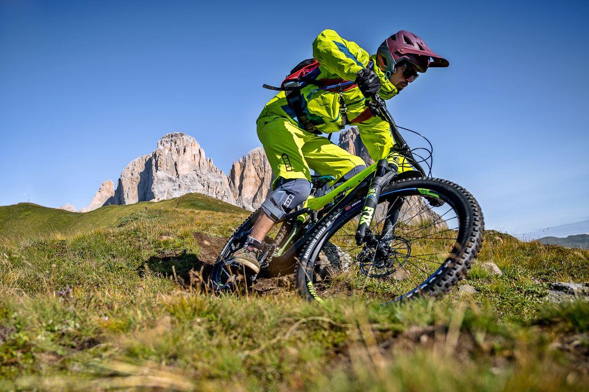 Mtb Enduro Gravity Moutnain Bike Ebike Dolomiti Copyright Archivio Immagini Apt Val Di Fassa Photo Andrea Costa